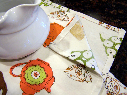Tea Towel with Teapots, corner detail