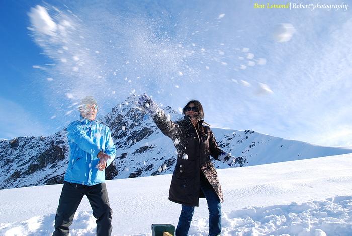 snowplaying 02