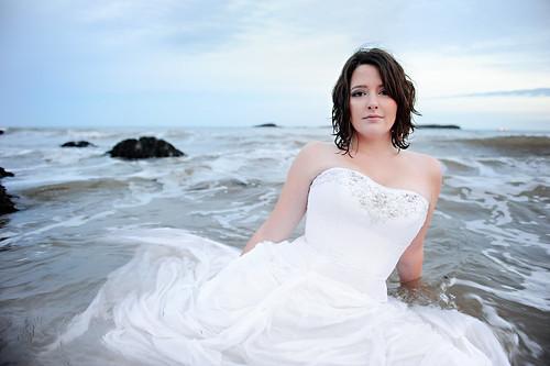 [フリー画像] 人物, 女性, ウエディングドレス, カナダ人, 201009301500