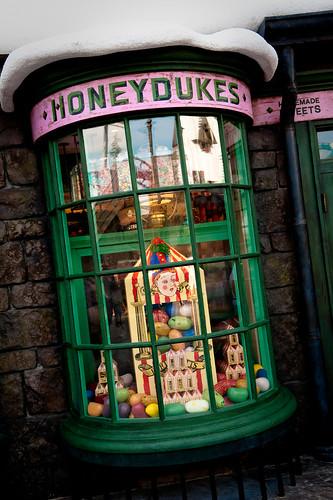 Honeydukes - Wizarding World of Harry Potter - Universal Studios - Islands of Adventure