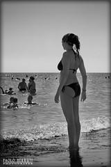 5379 Bellezze al bagno (Misterpabe) Tags: mare estate donne bianconero contrasto