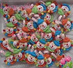chaveiro feltro palhacinhos coloridos (Lucy Gifts) Tags: feltro colorido lembrancinhas chaveiros feitoamao palhacinhos