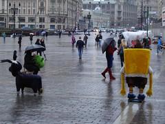 . kinderhelden mit regenschirm. (Hel*n) Tags: shrek russia moscow spiderman spongebob moskau  regenschirm russland schneneuewelt  ploschtschadrewoljuzii