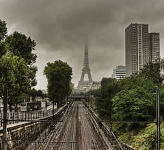 Paris Terminus (Olympe B.) Tags: city paris france tree green tower fog clouds buildings day tour cloudy tracks rail eiffel vert explore arbres nuages quai brouillard ville brume immeuble rer euope platinumpeaceaward sonya550 mygearandmepremium mygearandmebronze mygearandmesilver grenelles