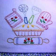 Achei que ficou bem alegre ...I thought the colors were very happy ... (soniapatch) Tags: handmade embroidery bordado feitoamão panodeprato