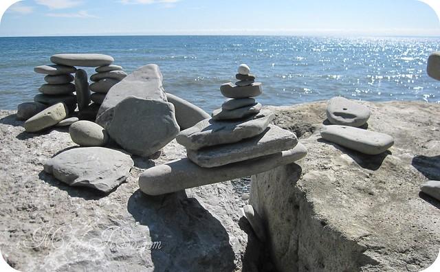 rock sculptures inukshuk imadeitso.com