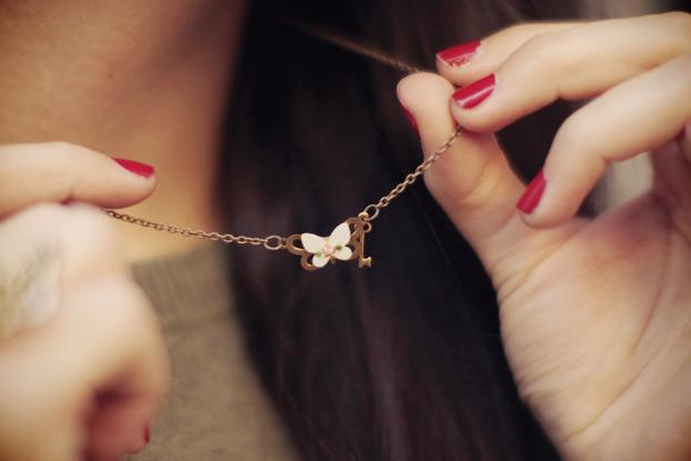 Les jumelles necklace
