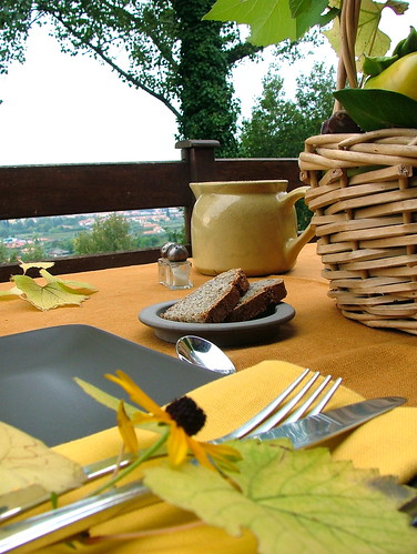 tablescape in autumn colours