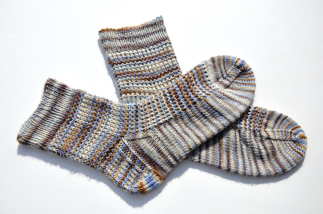 faceted rib socks finished-2