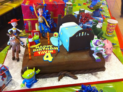Tavin's 4th Birthday Cake (customer's photo)