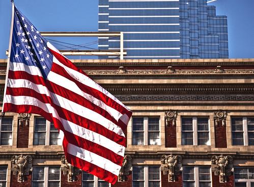 Bandera a media asta en Dallas