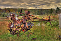 Clod Hopper Chopper (Uncle Phooey) Tags: bike rural crazy folkart rusty contraption biker arkansas hdr metalsculpture clodhopperchopper