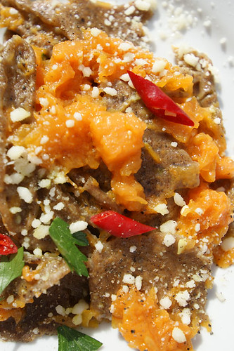 Strascinate di Grano Arso con zucca, pecorino e peperoncino