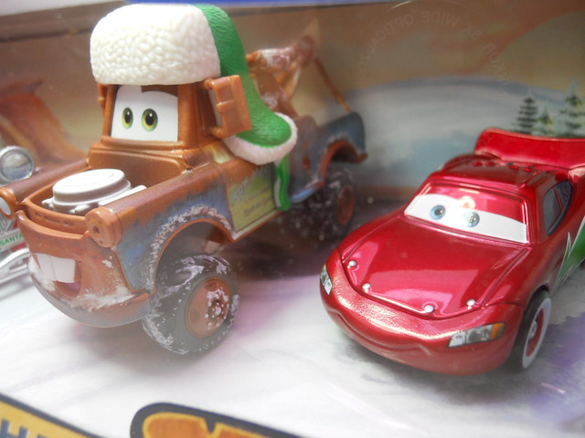 DISNEY CARS TOYS R US MATERS SAVES CHRISTMASD SANTA CAR, WOOHEE MATER HOT SHOT LIGHTNING MCQUEEN (4)