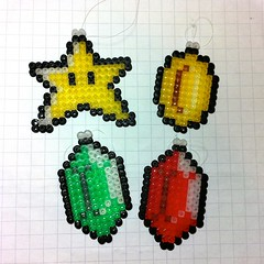 retro videogame christmas tree decorations (spugmeistress) Tags: christmas holidays geek nintendo craft mario games videogames pixel etsy perler geekery legendofzelda folksy christmastreedecoration hamabeads