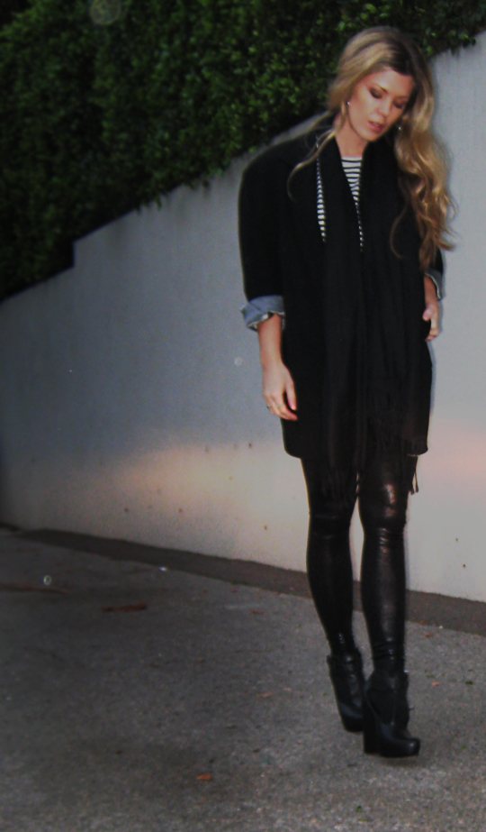 black on black outfit+stripes+liquid leggings+faux leather pants+dark