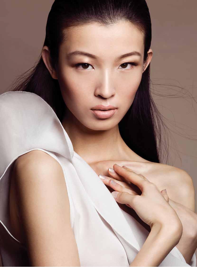 Jing Ma - Elle Vietnam December 2010 - 1