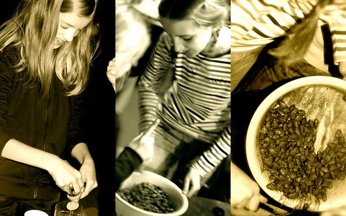 teeme lastega jõulumandleid/making swee tand spicy almonds with kids