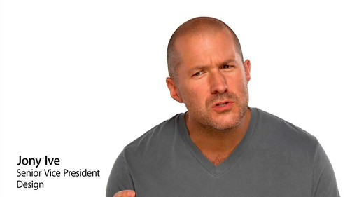 Jony Ive in the MacBook Air Late 2010 promo 03