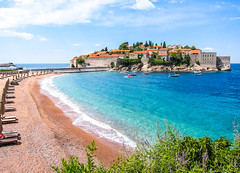Sveti Stefan (Laszlo Horvath.) Tags: canon s95 montenegro sveti stefan bay beach sunny resort