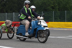 IMG_9433 (Christophe BAY) Tags: mobyltettes francorchamps 2017 rétromobile club spa circuit moto vespa camino flandria
