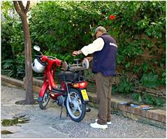 Sharpen your knives here (CameliaTWU) Tags: street spain seville motorcycle knives sharpener byke