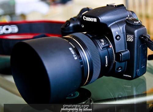 EF 85mm F-1.8-2