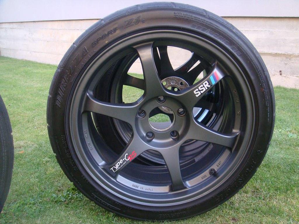 Fs Used 235 40 18 Dunlop Direzza Sport Z1 Star Spec Tires