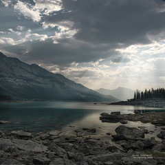 Medicine Lake , Jasper National Park (janusz l) Tags: sun lake clouds river nationalpark jasper searchthebest rocky shore alberta rays hdr maligne athabasca medicinelake janusz leszczynski manualblend 002603 mindigtopponalwaysontop