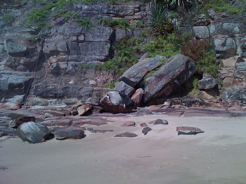 Rocks at Pearl Beach