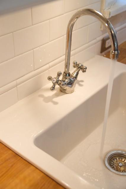 backsplashandfaucet
