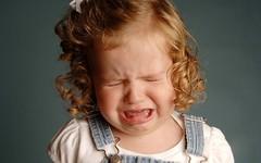 [フリー画像] 人物, 子供, 少女・女の子, 泣き顔・涙, 201106020500