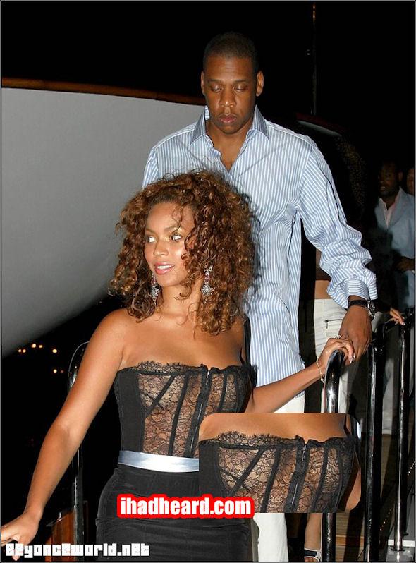 Beyonce-Nipslip-5
