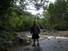 Franconia Falls - On the Rocks (cessna152towser) Tags: utilikilt kilt newhampshire whitemountains meninskirts franconiafalls