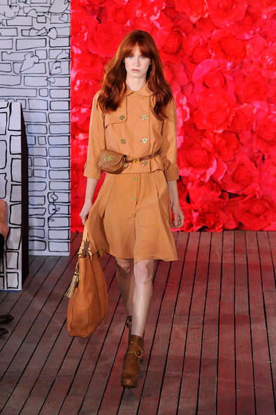 Mulberry+Presentation+Spring+2011+MBFW+zcUc-n5Up41l