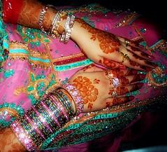 mehndi hy rachny wali (apricot.mano) Tags: pink wedding hands hand mehndi bangles picknic