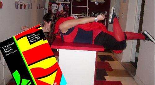 patricil haciendo el ridiculo disfrazada de supergirl proclamando los ultimos dias d clark k