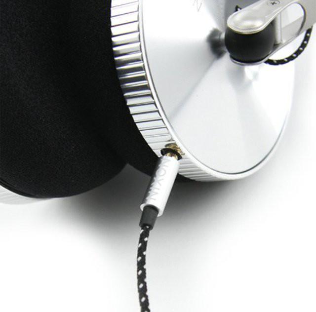 Nixon-Nomadic-Mic-Headphones-1