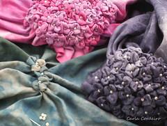 WiP (Carla Cordeiro) Tags: flores wip fuxico patchwork hortência conta fabricflower floresdetecido linhaeagulha agulhaelinha tecidotingido