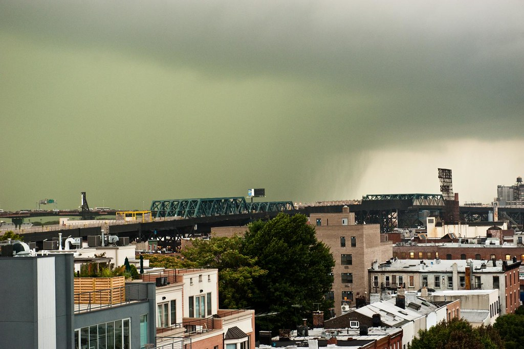 Storm/Tornado coming through Brooklyn