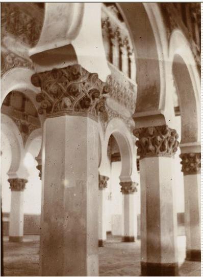 Sinagoga de Santa María la Blanca en febrero de 1901. Fotografía del príncipe de Rumanía Emmanuel Bibesco. Museo D´Orsay.