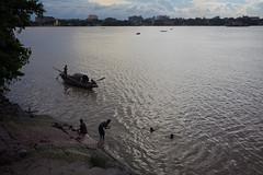 Le Gange (hubertguyon) Tags: nature river eau calcutta inde fleuve gange kolkota ganaga bengaleoccidental