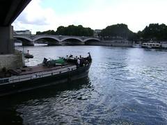 Paris, Bassin de l'Arsenal (Hlne_D) Tags: paris france seine port river harbor ledefrance rivire bastille iledefrance arsenal picnik idf fleuve laseine placedelabastille portdelarsenal bassindelarsenal hlned
