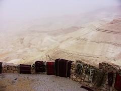 JORDANIEN - Aussicht auf die saudische Staubwolke (roba66) Tags: travel landscape jordan explore landschaft jordanien jordanie voyages otw kingdomofjordan lovely~lovelyphoto urlaub2010 jordanien2010