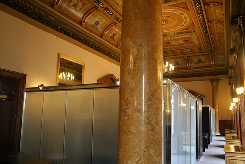 Meeting cubes in the upper grand room