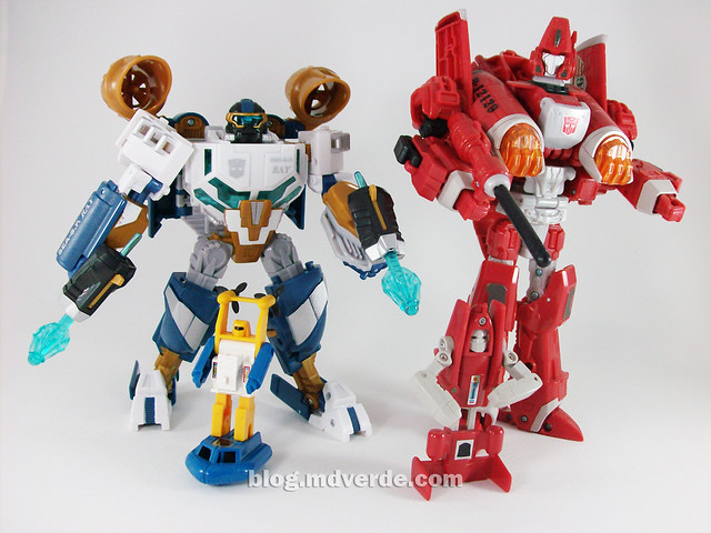 Transformers Seaspray Hunt for the Decepticons Voyager vs G1 - modo robot