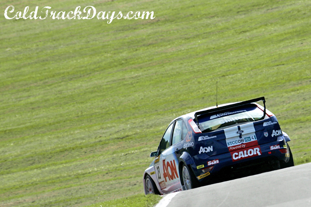 BTCC // FORD TAKES FRONT ROW @ DONNINGTON