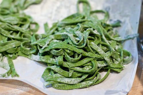 Pasta Maker Review: fresh spinach fettucini