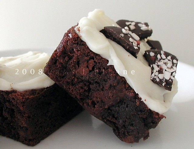 brownies w/ cream cheese-mint frosting