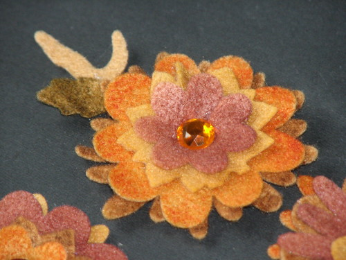 autumn felt flower pin 009